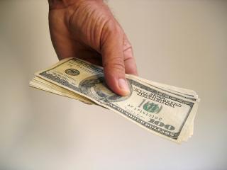 Money-1-1238912-640x480