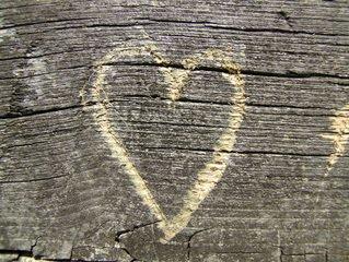 Wooden-heart-1-1173540